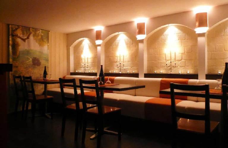 Weinbar-Partykeller-Entwurf